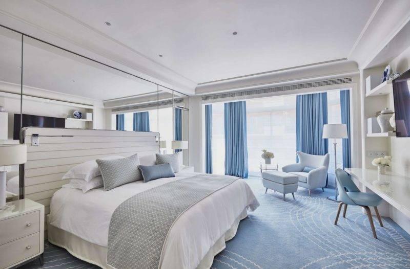 Hotéis em Cannes: Quarto moderno e clean do Hotel Martinez.
