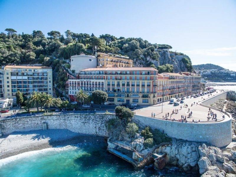 Onde se hospedar em Nice: O clássico Hotel Suisse em Nice.
