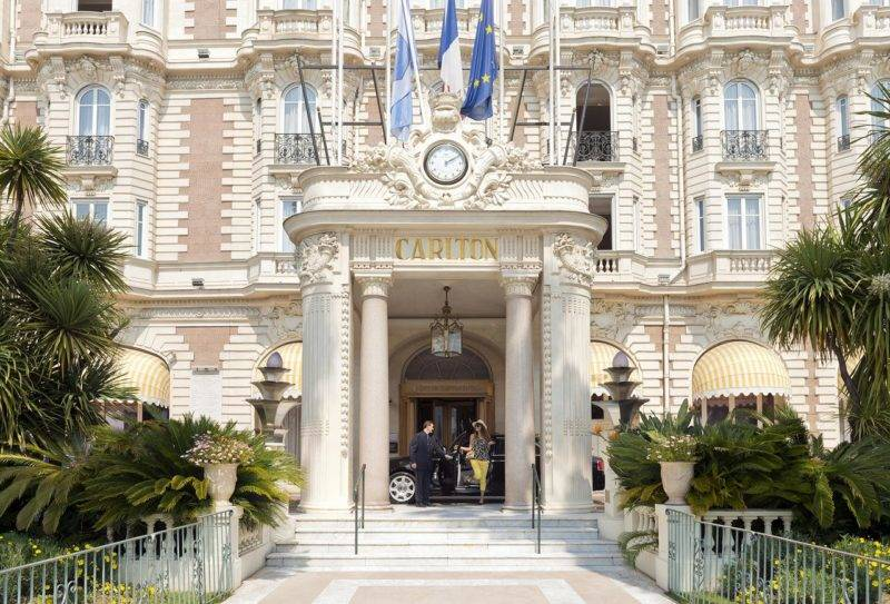 Onde se hospedar em Cannes: Fachada Belle Epoque do InterContinental Carlton.