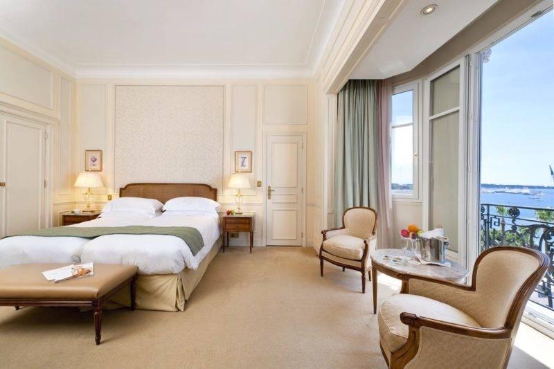 Melhores hotéis em Cannes: Janelões com vista do InterContinental Carlton.