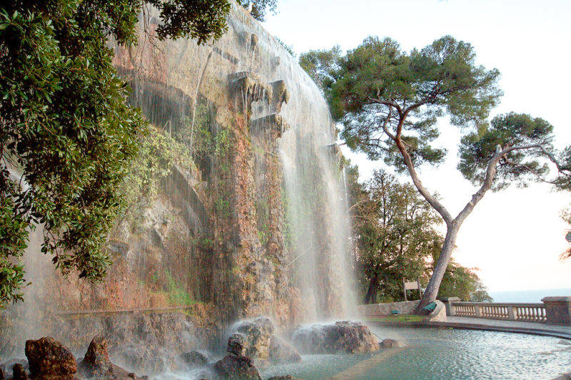 Roteiro sul da França: cachoeira do Colline du Château em Nice.