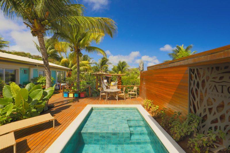 Hotel em Fernando de Noronha: tem ainda piscina externa e redes de balanço.
