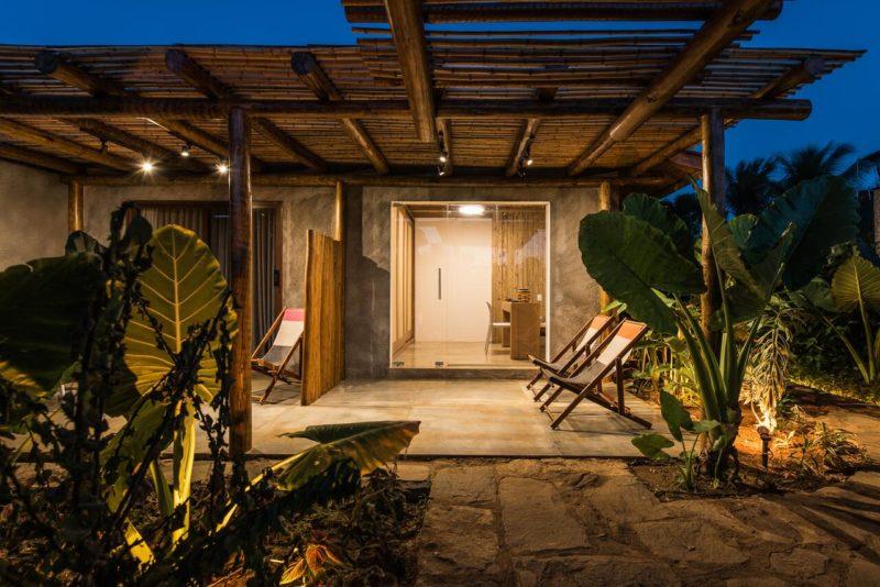 Hotéis em Fernando de Noronha: cada quarto da Pousada Salga tem varanda privativa.