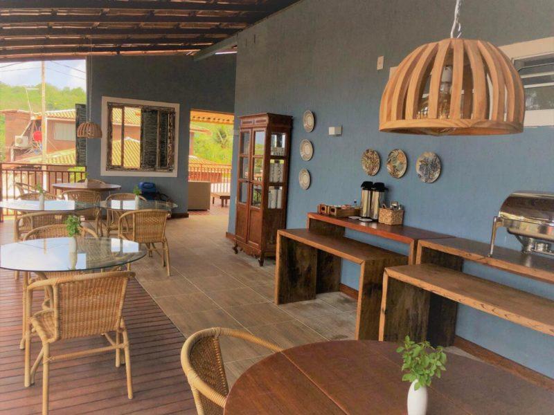 Dicas de Fernando de Noronha: espaço para café da manhã da Pousada Alto da Floresta.