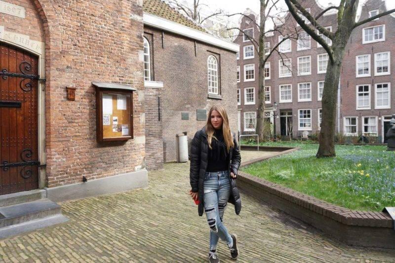 O Begijnhof de Amsterdã: jardim secreto escondido por trás de uma porta