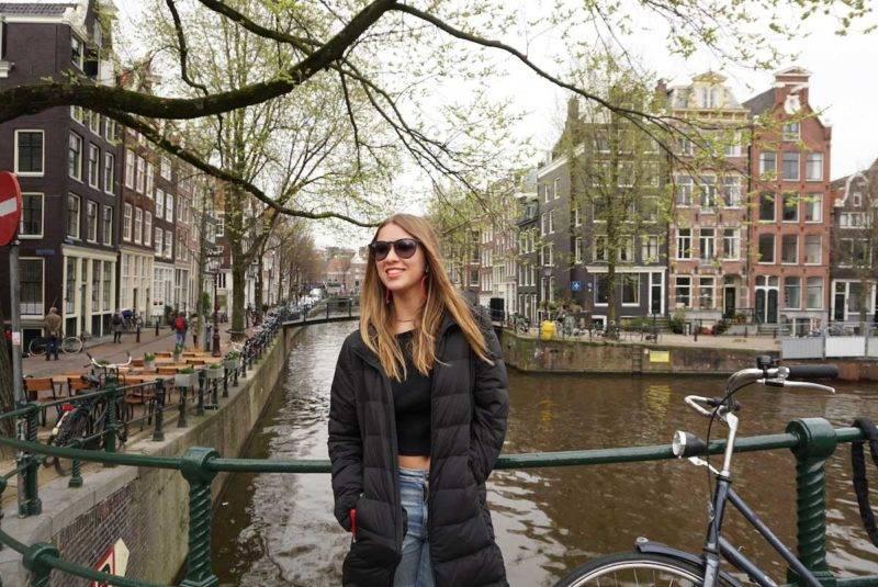 Canais mais lindos de Amsterdã: o Singel é cheio de cantinhos e esquinas incriveis