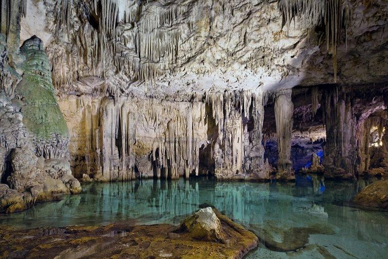 Interior da Grotta di Nettuno na Sardenha.