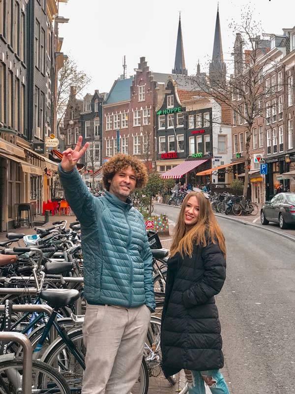 O que fazer em Amsterda: a Spui, vibrante e cheia de bons restaurantes