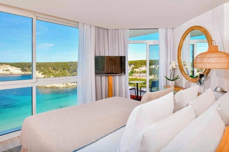 Hotéis em Menorca: Quarto do Meliá Cala Galdana com vista para o mar.