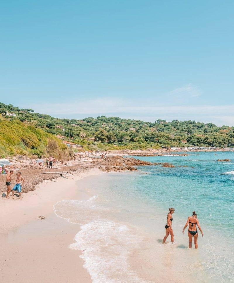 Praias de St. Tropez: a linda Plage de l'Escalet.