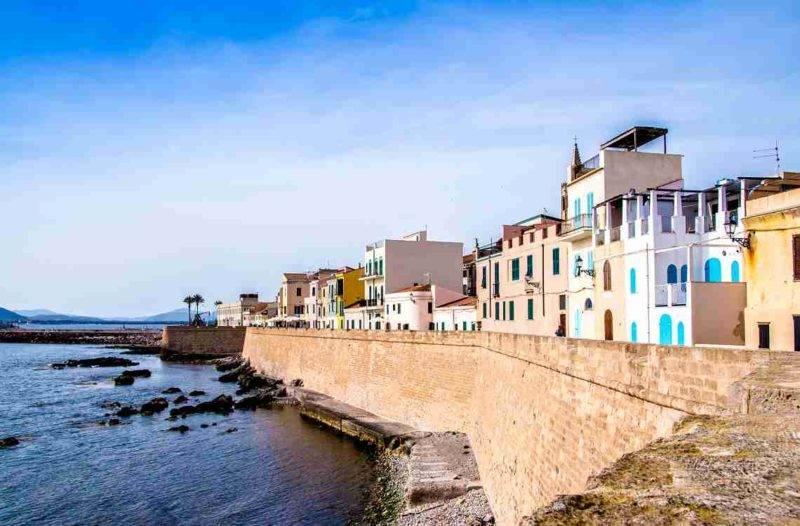Cidade histórica de Olbia na Sardenha.