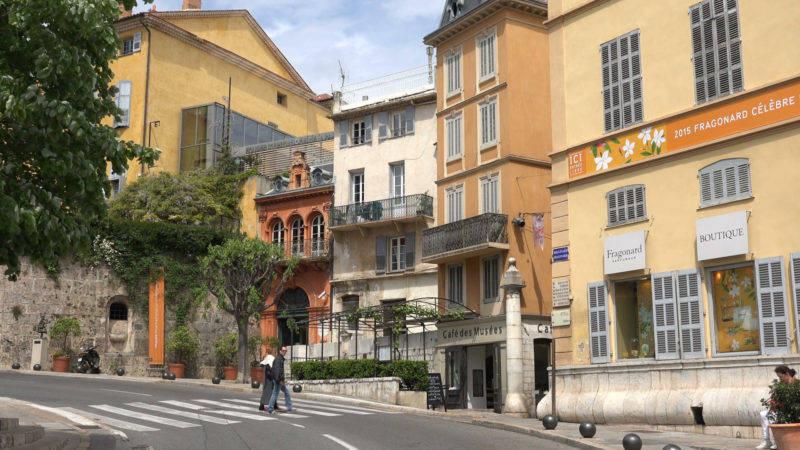 O que fazer em Grasse: ruas charmosas e perfumadas da cidade.