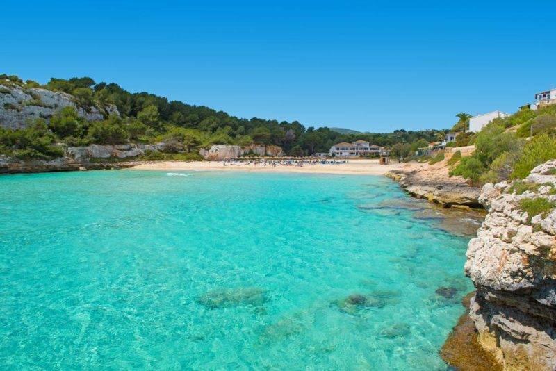Cala Romantica no lado leste da ilha de Mallorca.