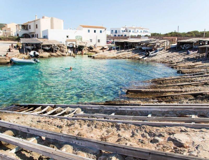 O que fazer em Formentera: a diferente Es Calo de Sant Agustin.