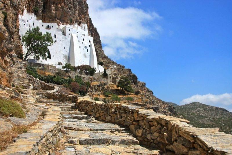 Mosteiro de Panagia Hozoviotissa em Amorgos.