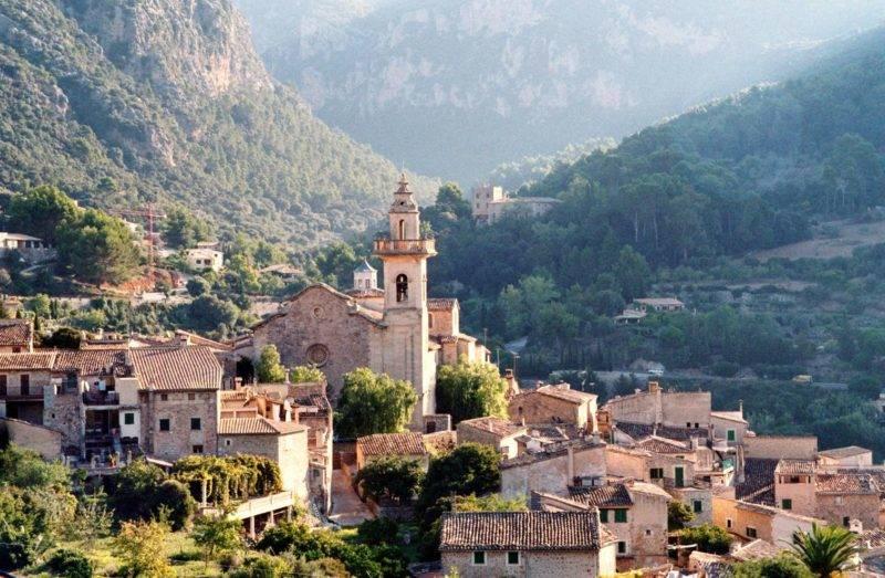 Atrações em Mallorca: a medieval cidade de Valldemossa.