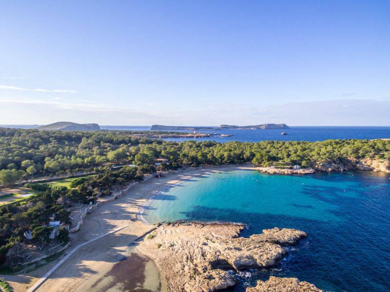 Ibiza dicas: a tranquila Cala Bassa.