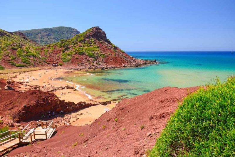 O que fazer nas Baleares: visitar a praia Cala Pilar em Menorca.