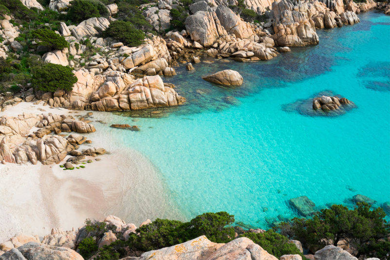O que fazer em La Maddalena: o mar impressionante da Cala Coticcio.