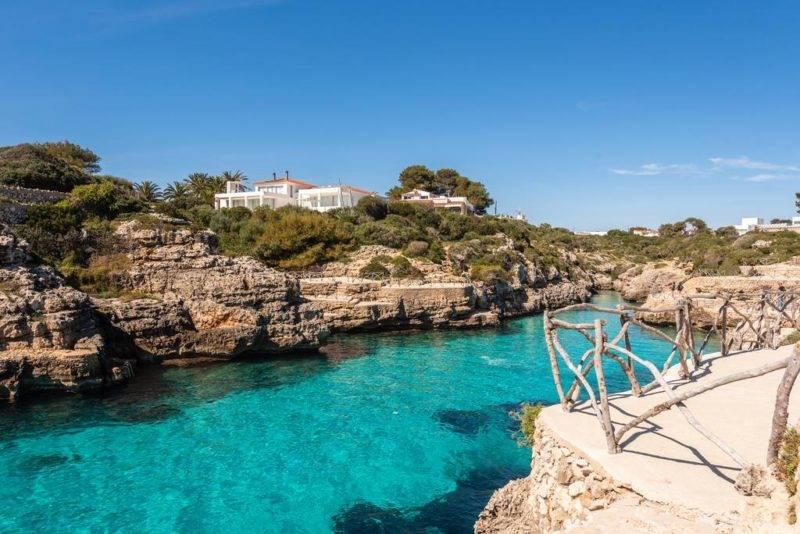 A cala en brut, em Menorca