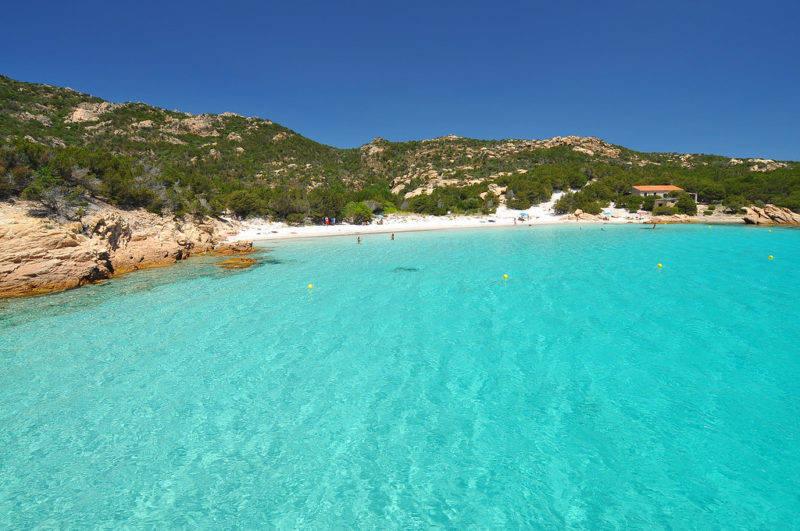 Praias de La Maddalena: o esmeralda da Cala Granara.