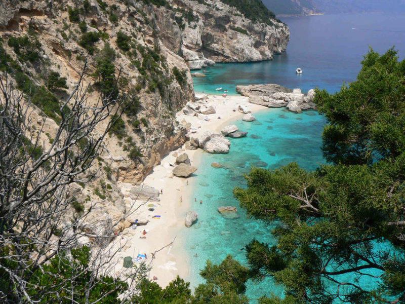 A belíssima Cala Mariolu, na Sardenha