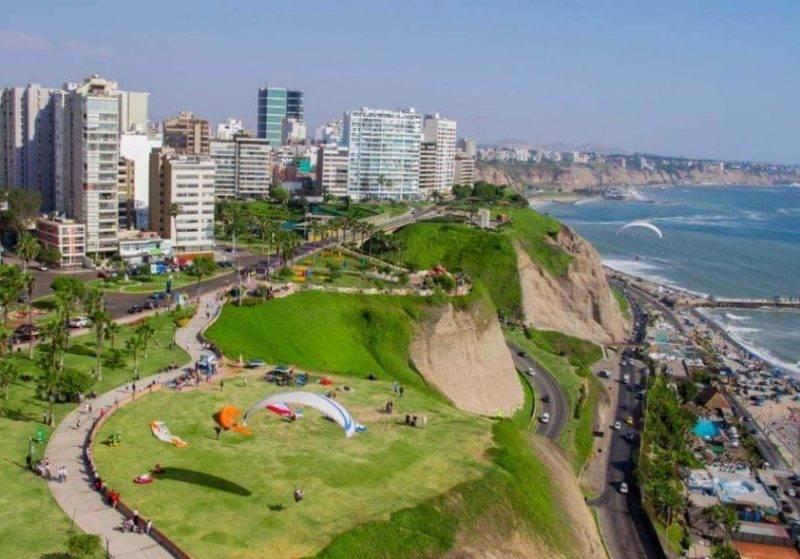 O que fazer em Lima: Conhecer o bairro de Miraflores.