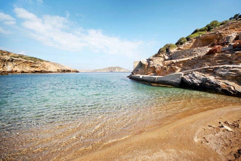 O que fazer em Amorgos: A praia cristalina de Paradisia Beach.