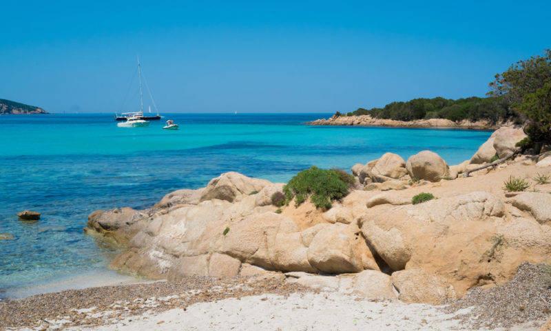 A praia de Pevero, uma das mais lindas da Costa Esmeralda da Sardenha