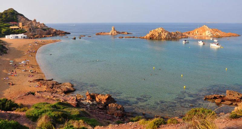Dicas Menorca: a praia rústica de Cala Pregonda.