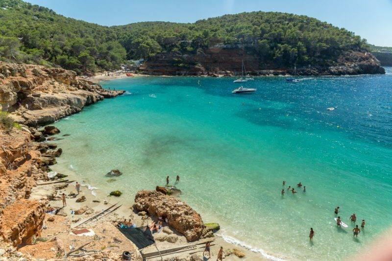 Melhores praias de Ibiza: Cala Salada e Saladeta.