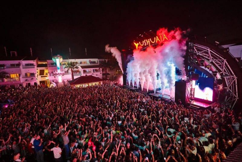 Noite em Ibiza: a festa do Ushuaia é uma das mais badaladas da ilha.