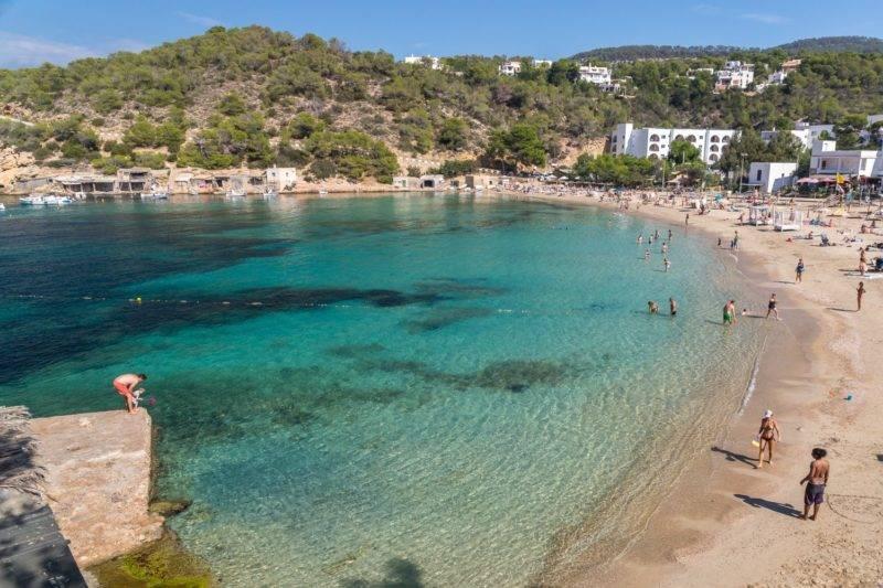 Baleares dicas: Cala Vadella em Ibiza.