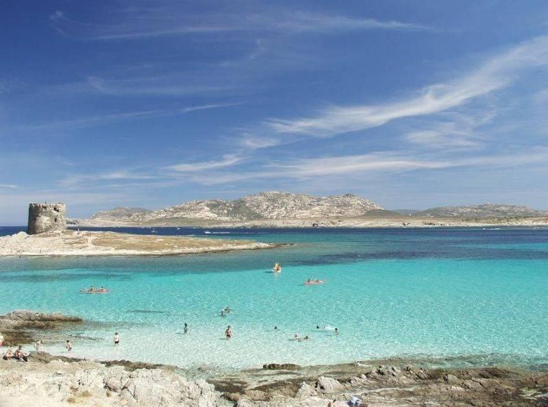 Praias mais bonitas da Sardenha: Praia La Pelosa.