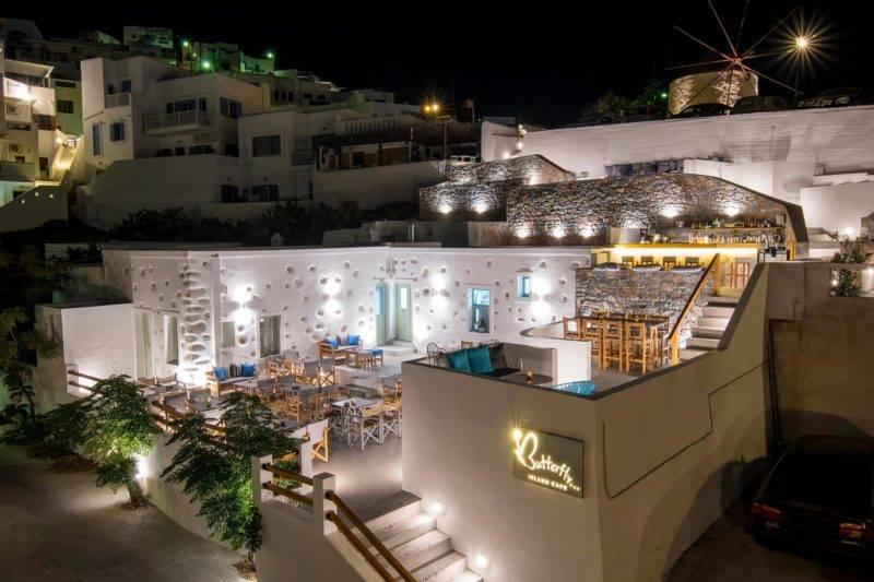 Restaurantes em Astypalea: arquitetura do Butterfly Island Café.