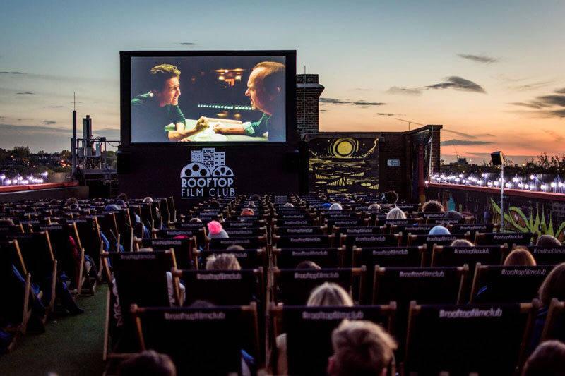 Verão em Londres: filmes exibidos a céu aberto.