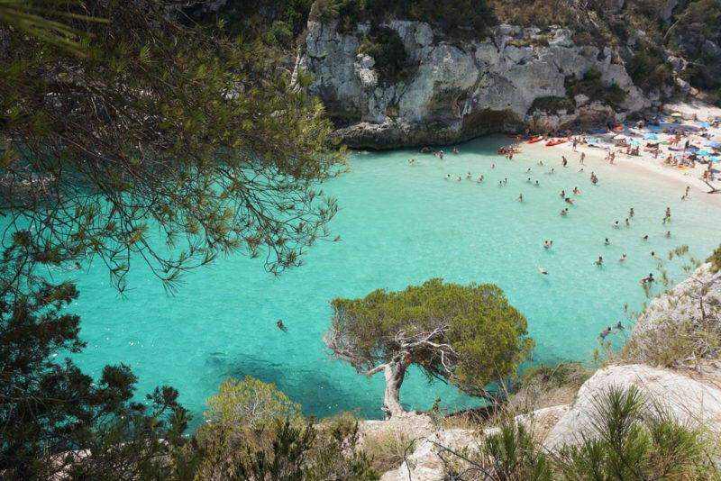 Praias mais lindas de Menorca: Macarelleta do alto da trilha