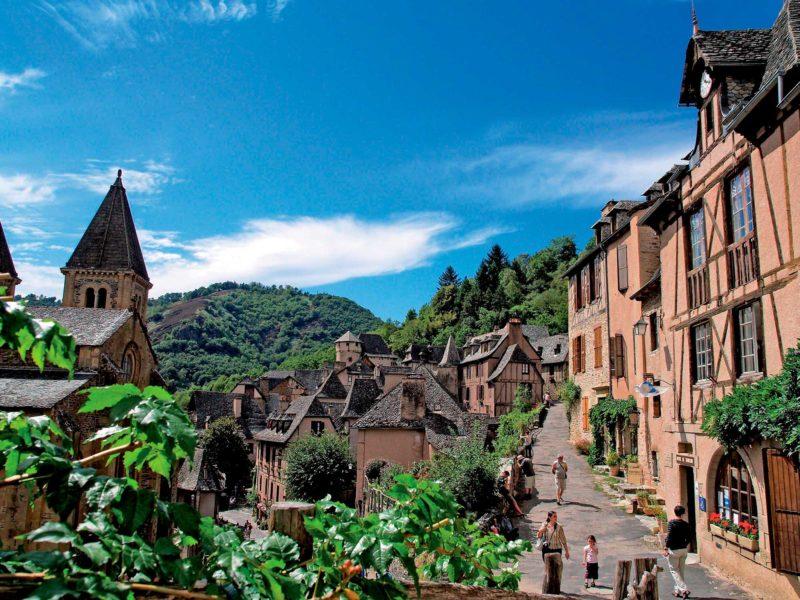 Roteiro medieval pela França: Ruas de Conques.