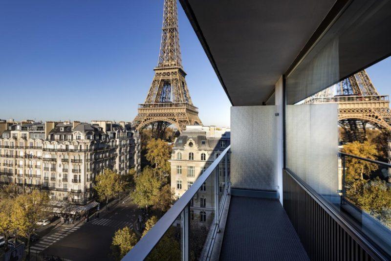 Hotéis com vista para a Torre Eiffel: Vista dos quartos superiores do Pullman Paris.