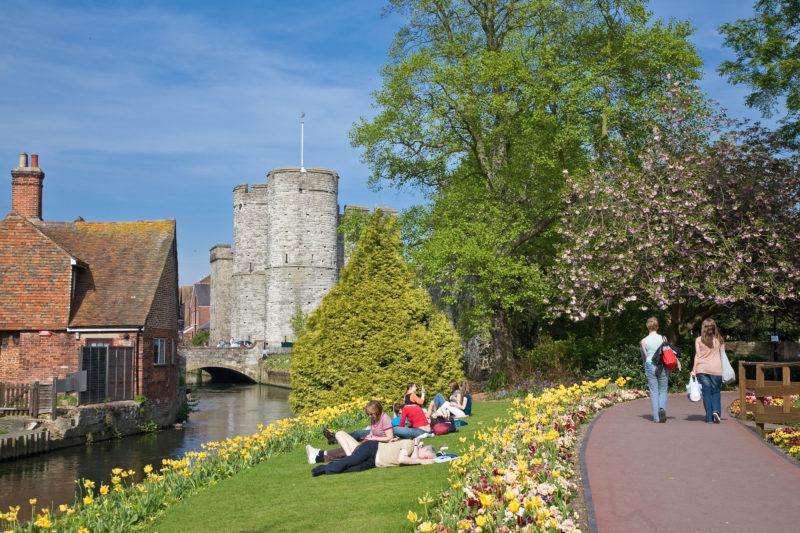 Roteiro Inglaterra: Paisagem florida de Canterbury.