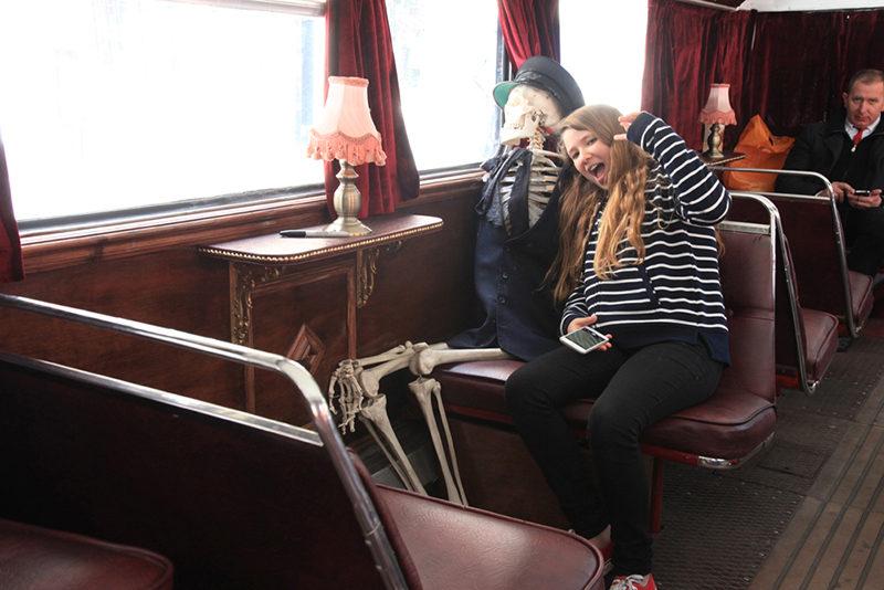 Passeios fantasmagóricos e divertidos por Edimburgo.