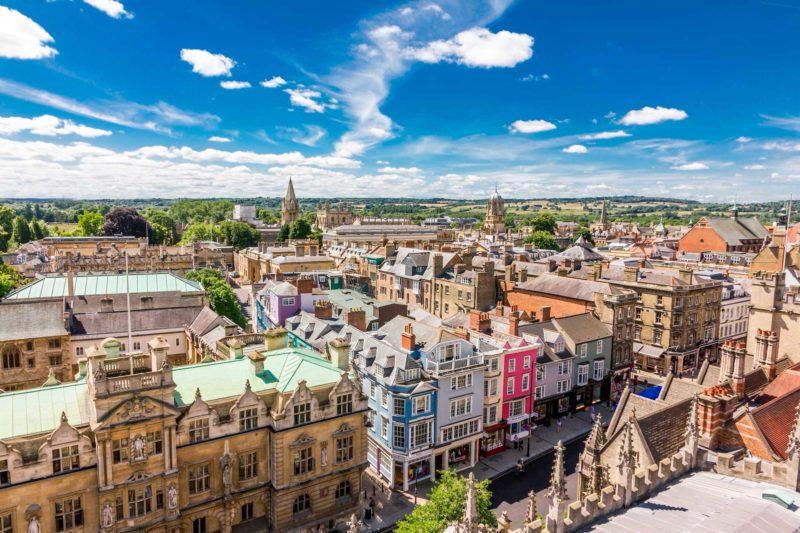 Os muitos prédios históricos da cidade de Oxford, na Inglaterra.