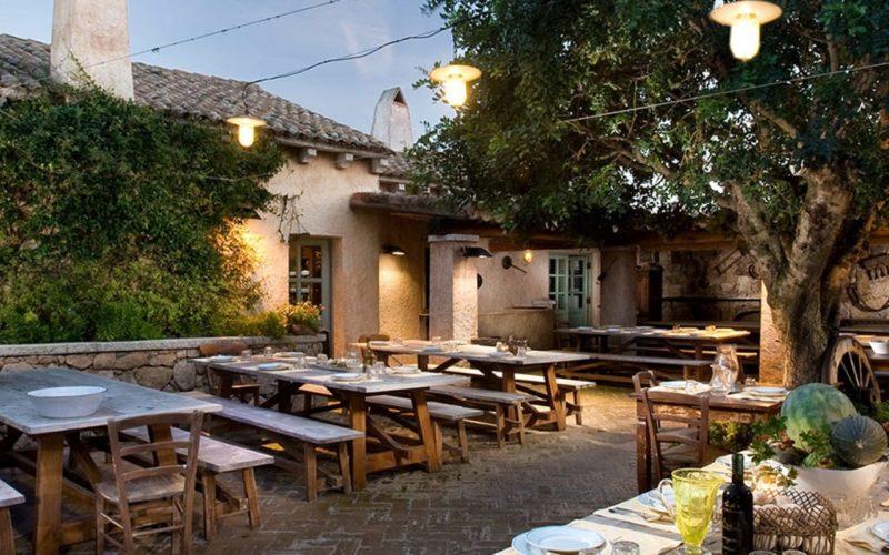 Sardenha tem culinária única e restaurante charmosos.