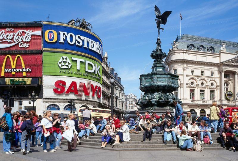 Atrações em Londres: Piccadilly Circus.
