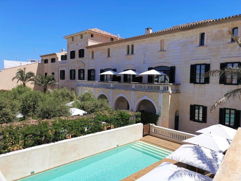 Onde ficar em Menorca: Piscina do Can Faustino.