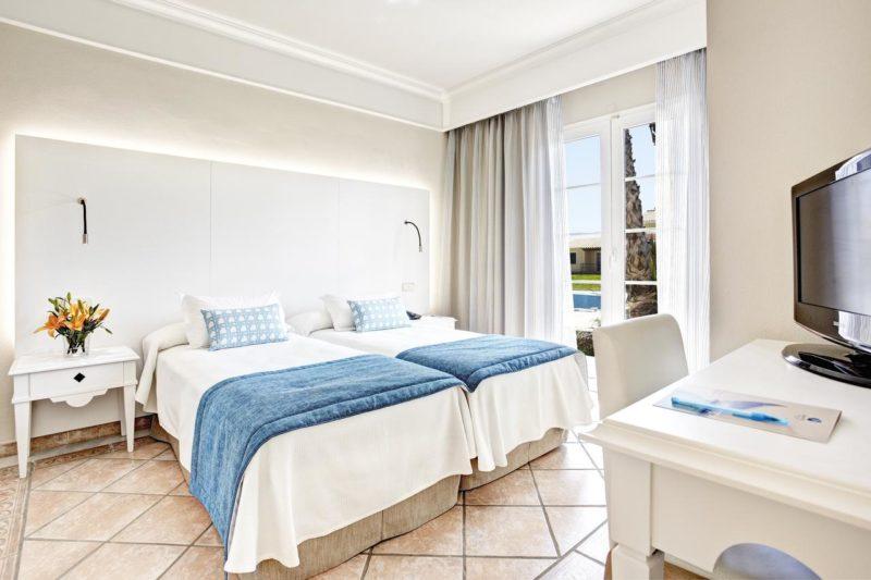 Hotéis em Menorca: Quarto do Grupotel Playa Cub.