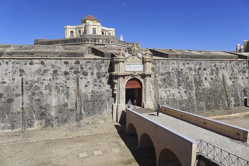 Entrada para o Forte da Graça, em Elvas.