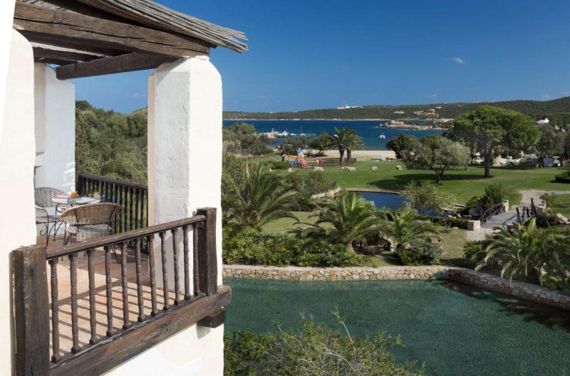 Onde ficar na Sardenha: vista da propriedade e da praia do Hotel Le Palme.