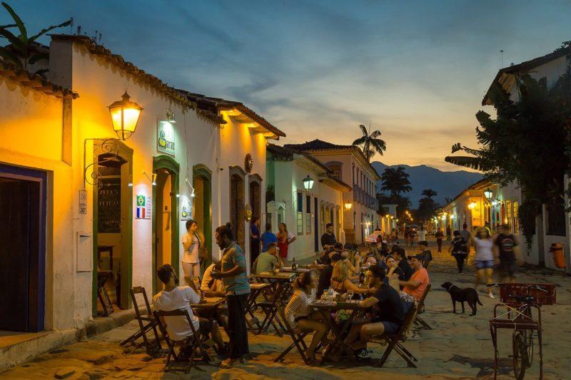 Centro histórico de Paraty a noite.