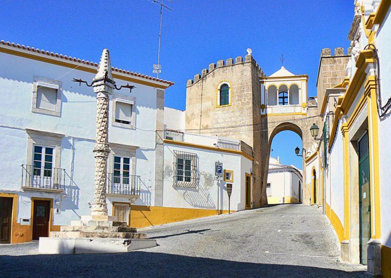 Dicas Alentejo: Largo de Santa Clara, em Elvas.